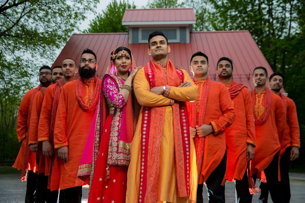 This Bangla couple kept tradition alive in their haldi and sangeet ceremonies. (35)