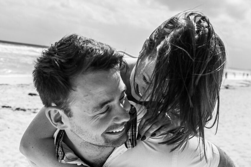 Tips to prepare for beach engagement photos. (5)