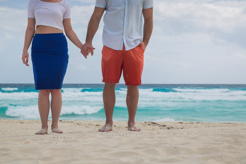 Tips to prepare for beach engagement photos. (4)