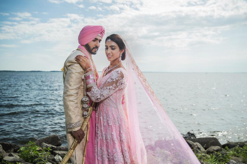 Couple-Photoshoot-SIctures-Sikh Weddings