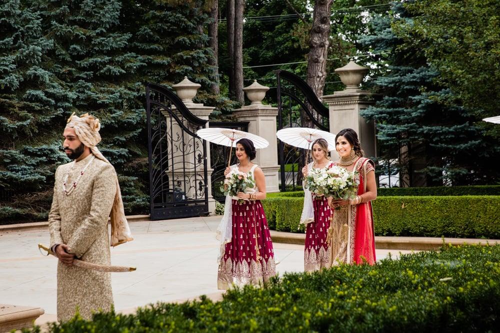 Modern first look at Hindu wedding.