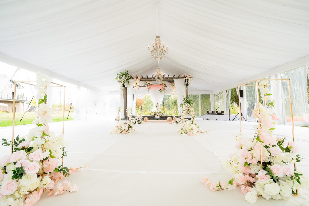 Tent wedding glam