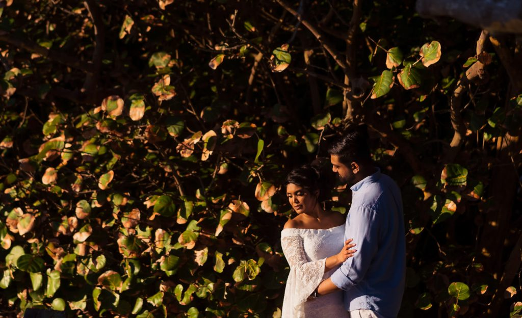 What to wear to on engagement session